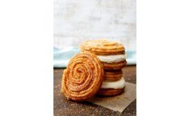 Cinnabon cinnamon churro swirls
